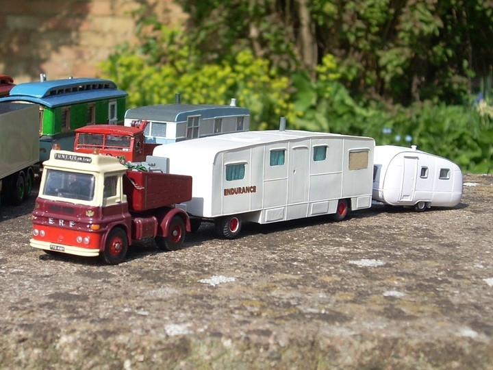 1/76 ERF showman's tractor and caravans