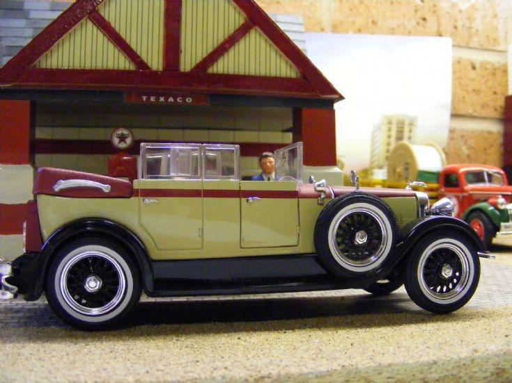 1928 Lincoln model