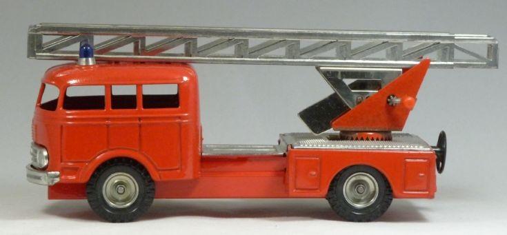 CKO 410 Tinplate Fire Engine