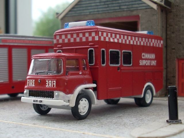 1/76 Bedford TK command support unit