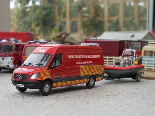 1/76 Mercedes incident support unit