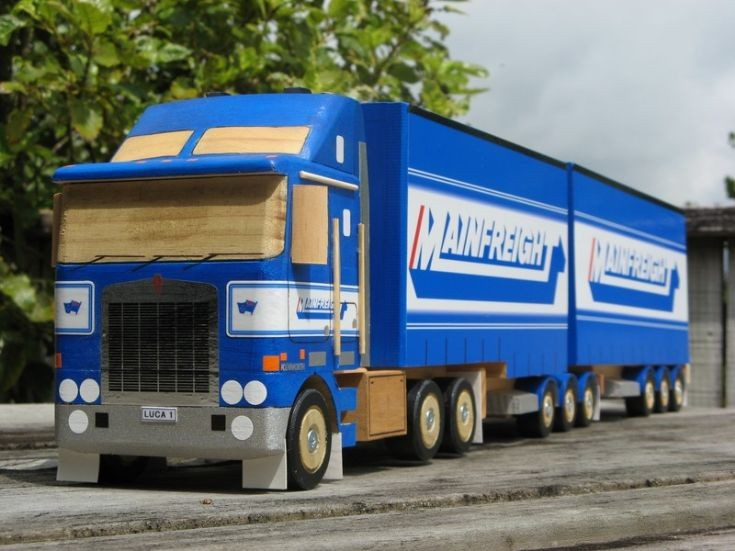 Mainfreight KW wooden model