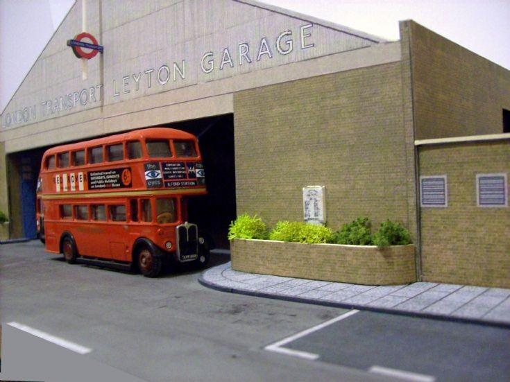 Leyton bus garage in 1/76 scale