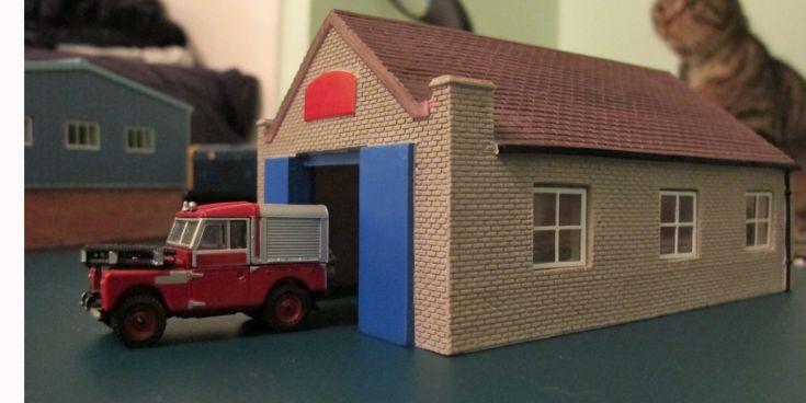 Hornby 1/76 scale garage