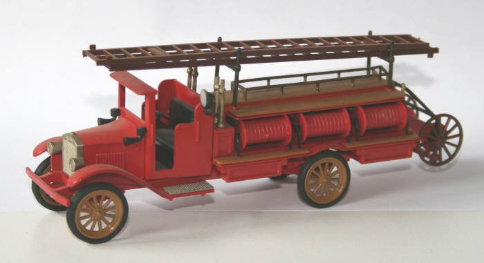 Conrad 1/43 Volvo pumper and hose wagon