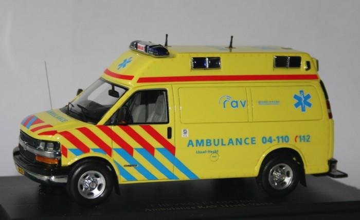 NEO 1/43 Chevrolet ambulance