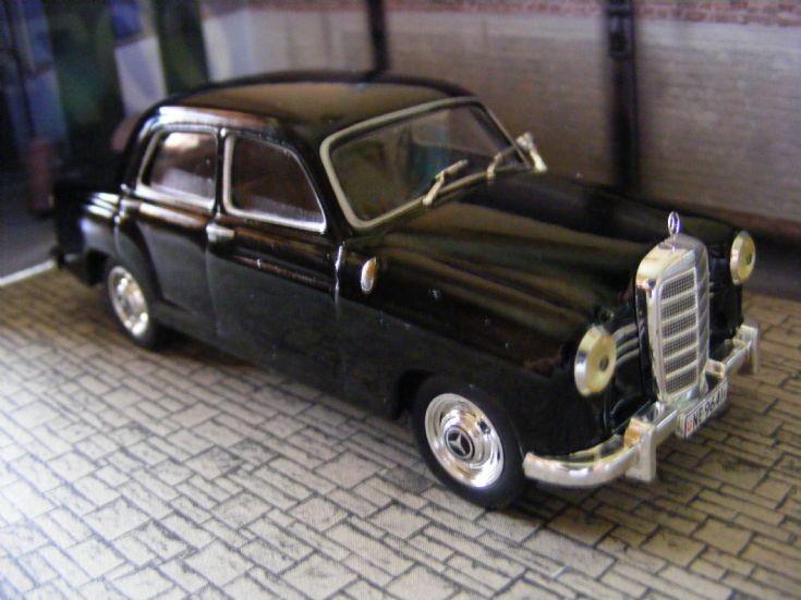 Mercedes Benz 220S