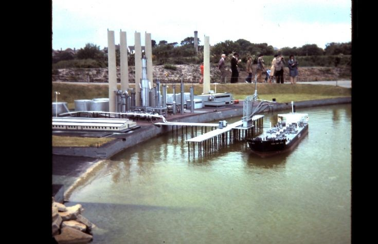 Tanker and Oil Refinery at Tucktonia 1977