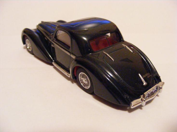 1946 Delahaye Type 145 scale model