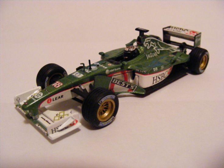 2001 Jaguar R2