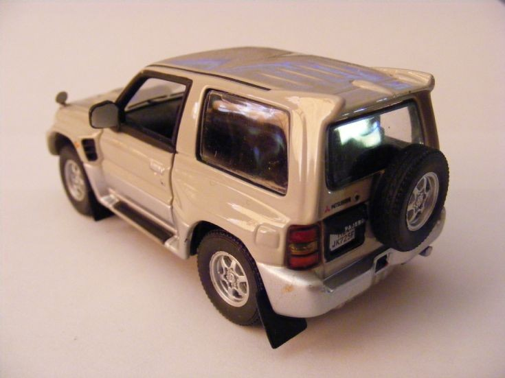 Mitsubishi Pajero Evolution model
