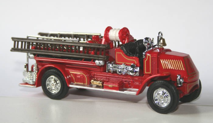 Matchbox 1/48 Mack AC Bulldog pumper