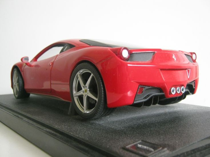 1:18 Scale Ferrari 458 Italia.
