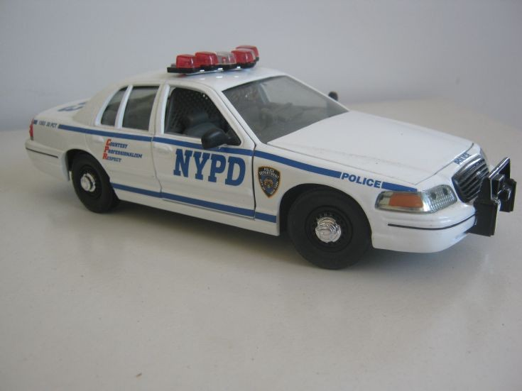 Classic Metal Works NYPD Ford Crown Victoria.