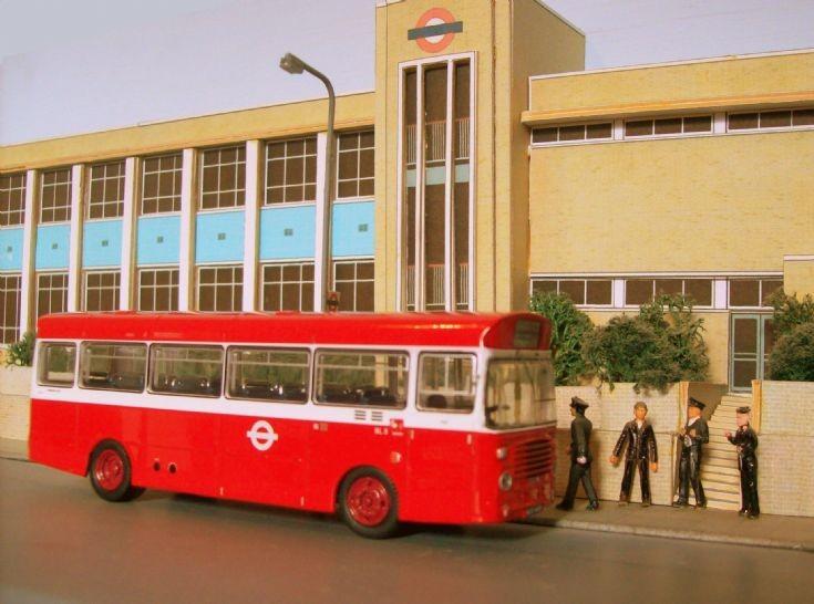 London Transport BL 8
