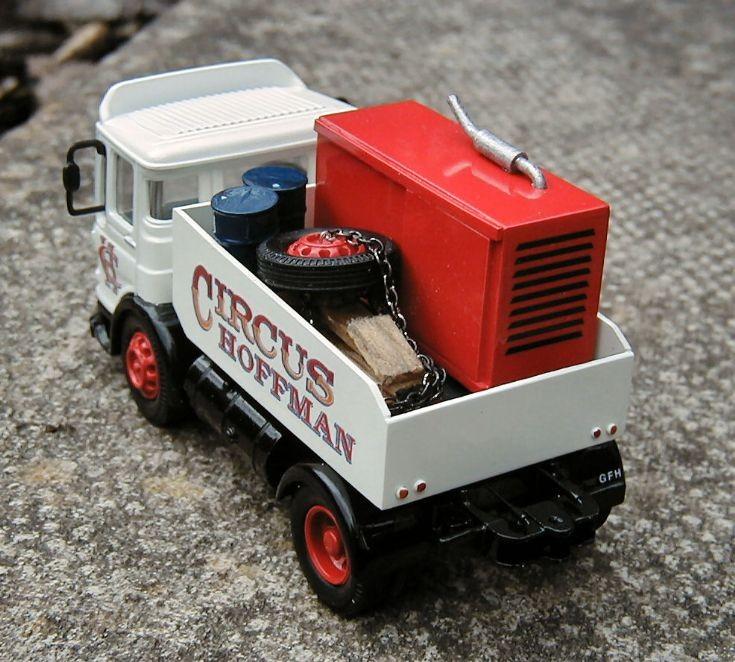 AEC Showmans lorry .