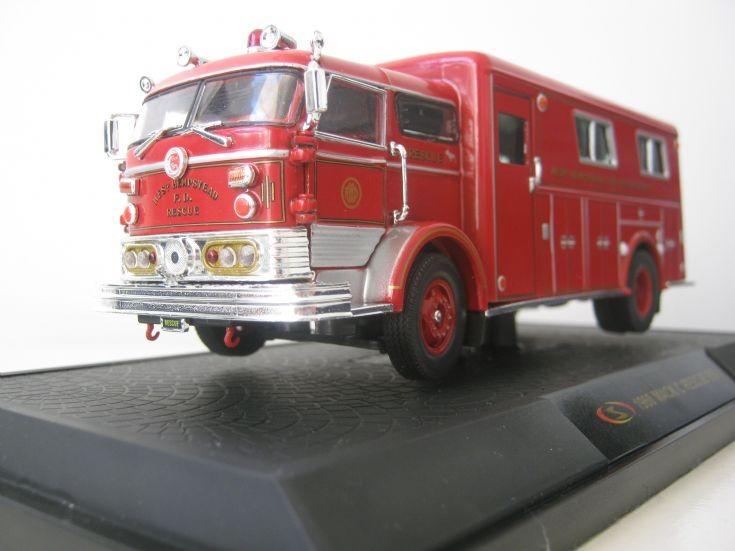 1:50 scale 1960 Mack C walk in rescue.