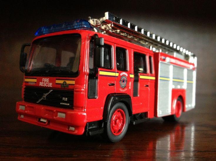 Galway Fire Brigade, Volvo FL6 Fire Appliance (2000).