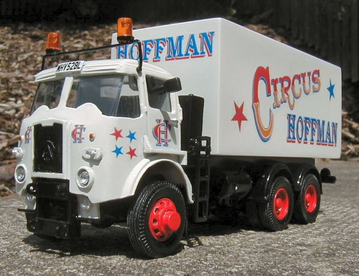ATKINSON GRITTER SHOWMANS LORRY 'CIRCUS HOFFMAN'.