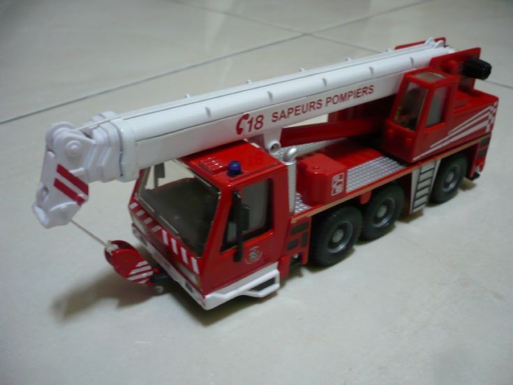 Bburago Sapeurs Pompiers crane