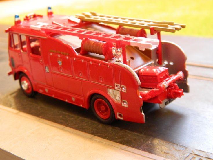 Oxford Dennis 106 rear pump