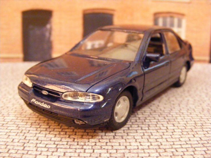 1993-96 Ford Mondeo Mk 1 Hatchback