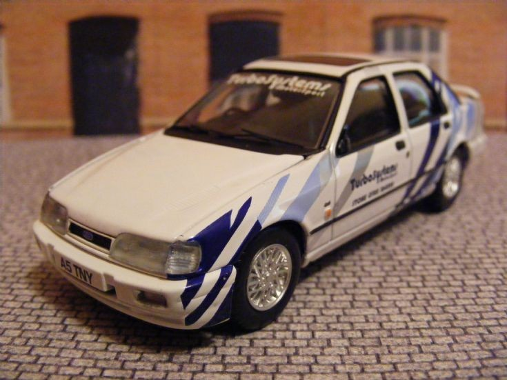1988-90 Ford Sierra Sapphire RS Cosworth 2WD Saloon