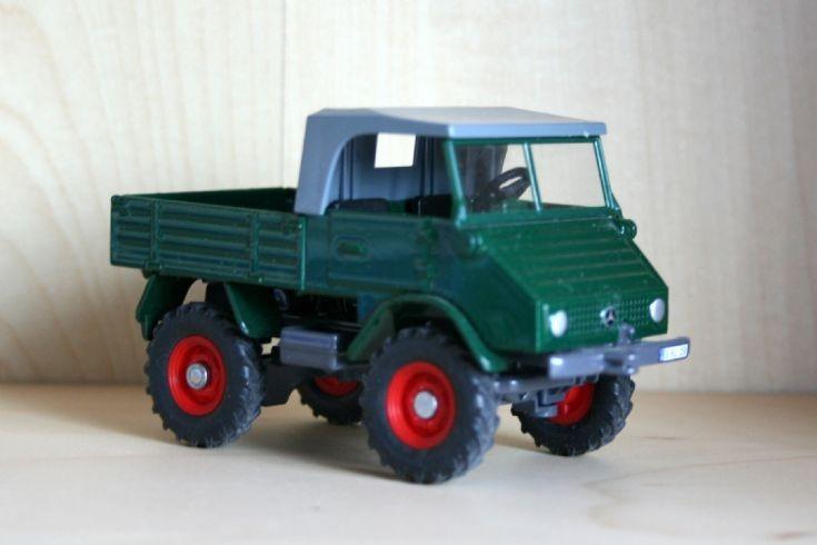 Siku 1/32 Mercedes-Benz Unimog U411