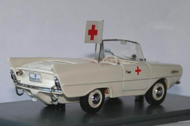 NEO 1/43 Amphicar rear view