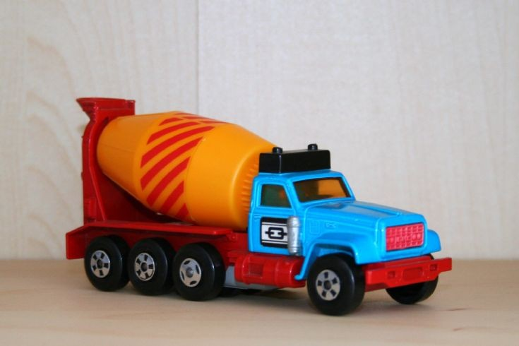 Matchbox 1/60 GMC 9500