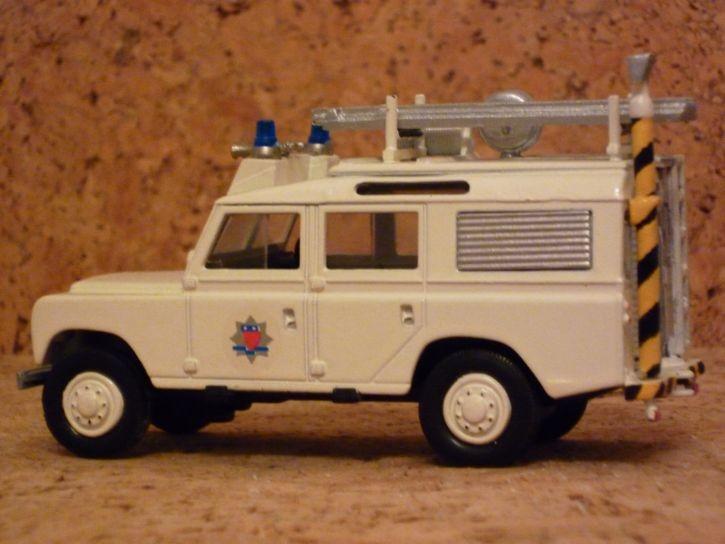 Humberside Land Rover RT 1/48