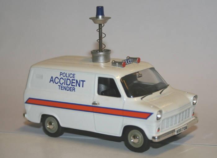 Vanguard 1/43 Ford Transit police