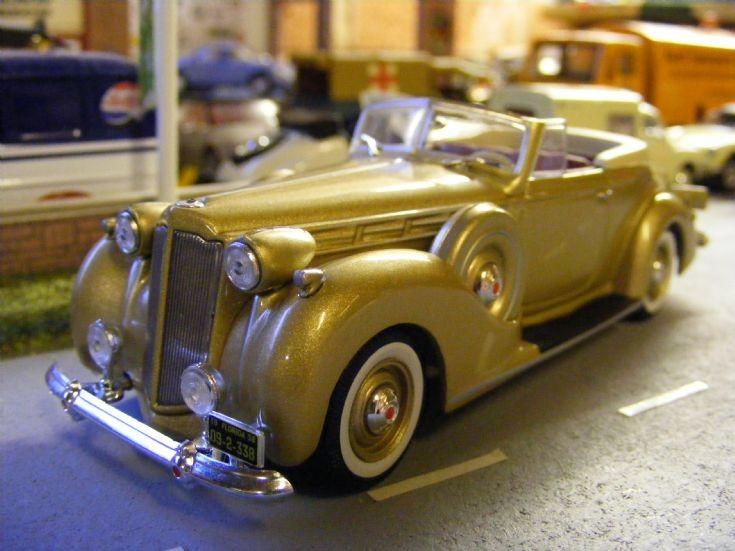 IXO Museum - Packard