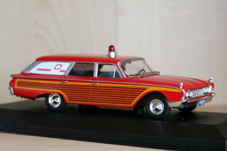 Whitebox 1/43 Ford Country Squire