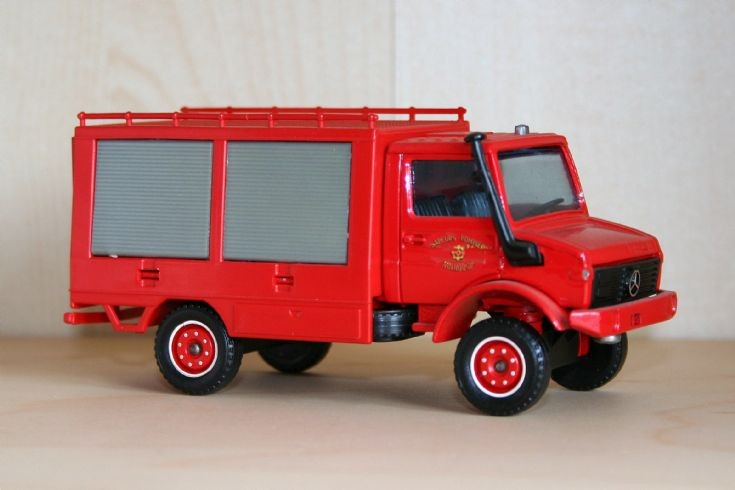 Solido 1/43 Mercedes-Benz Unimog Rescue