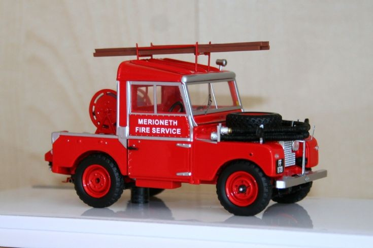 TSM 1/43 Landrover 88 fire engine