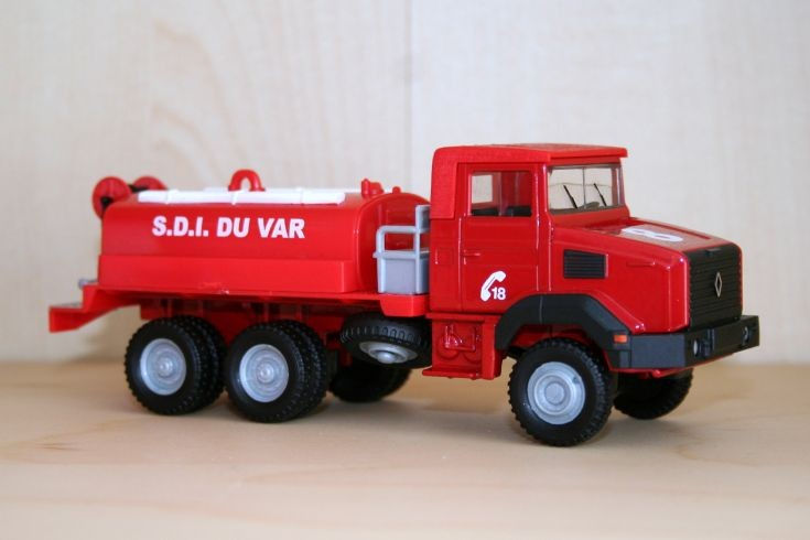 Solido 1/43 Renault GBC 180 bushfire