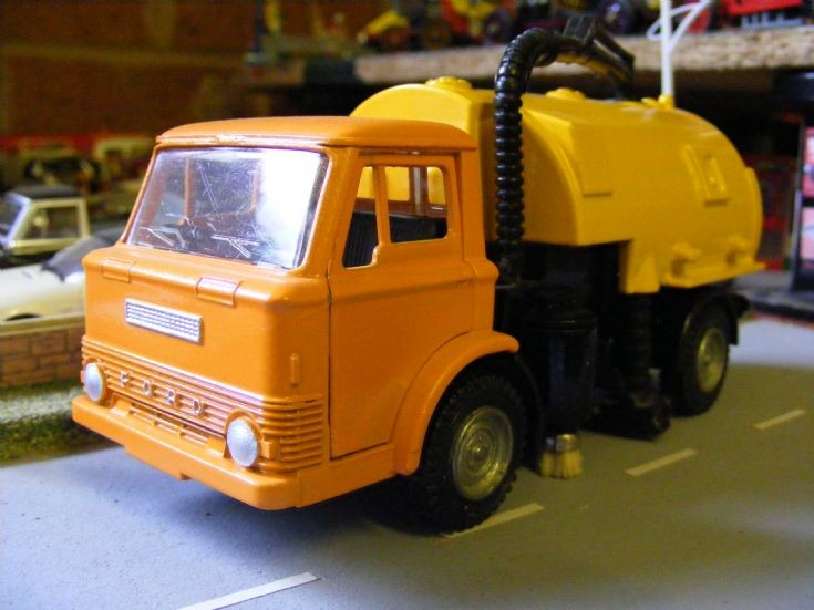 Dinky Toys - Ford