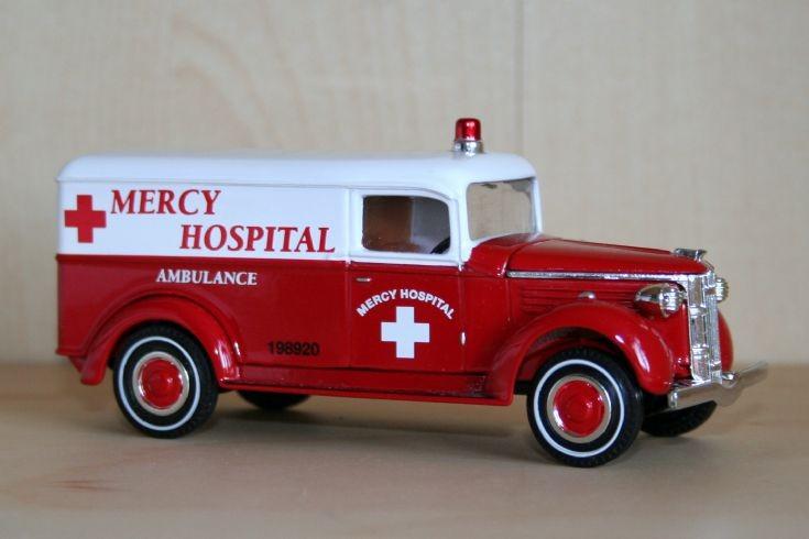 Matchbox MOY 1/48 GMC ambulance