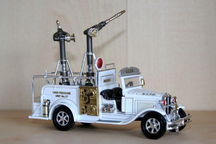 Matchbox 1/48 Ford AA Turret truck