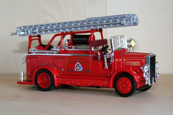 Matchbox 1/48 Leyland Cub pumper