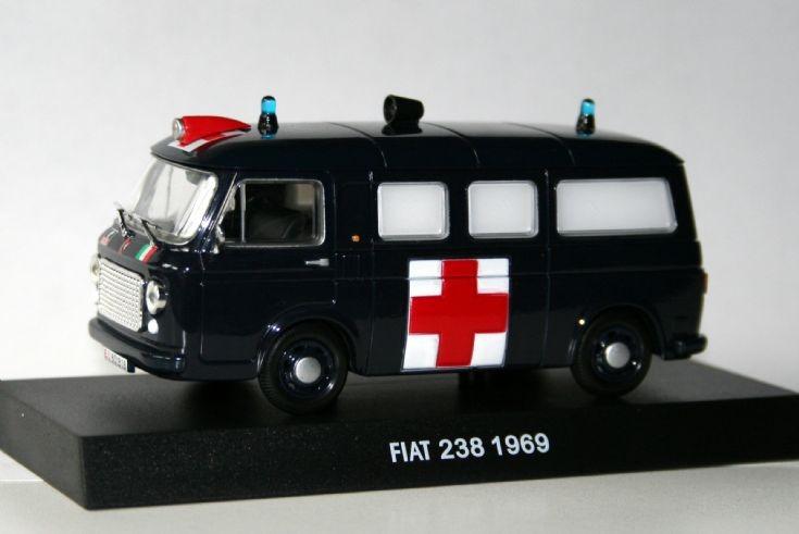 Edicola 1/43 Fiat 238 Carabinieri