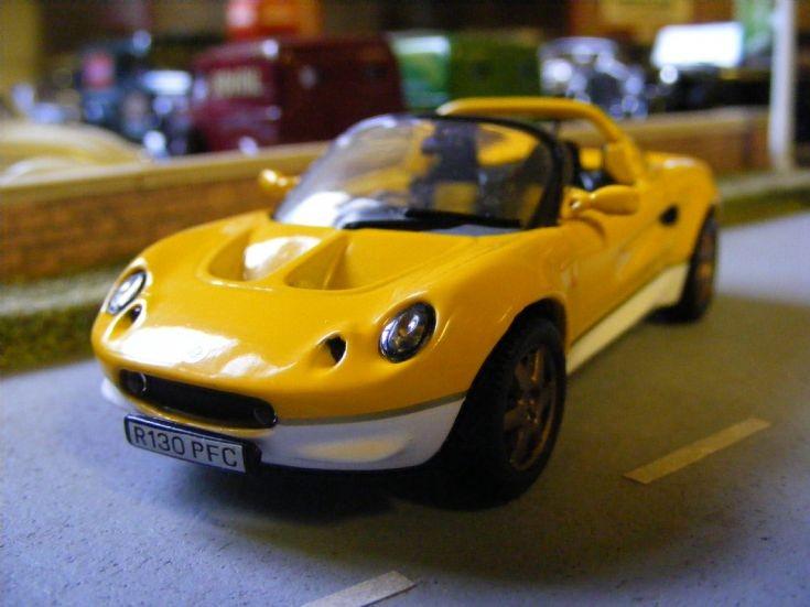 Maxi Car - Lotus