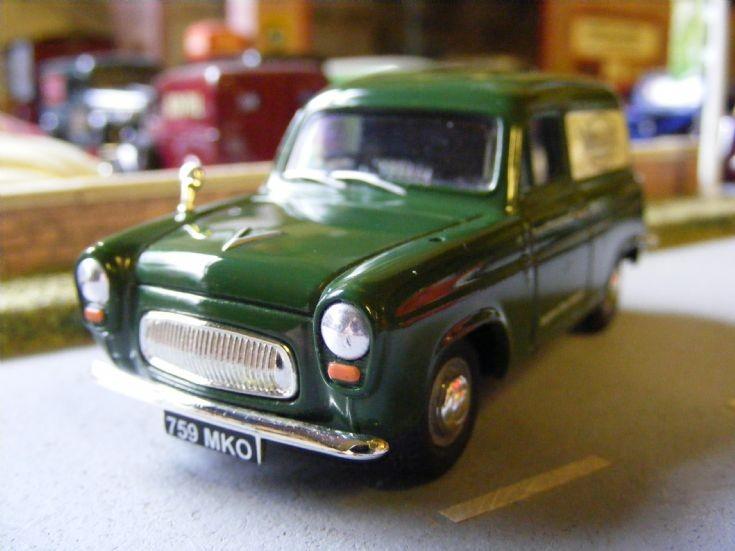 Corgi Vanguards - Ford