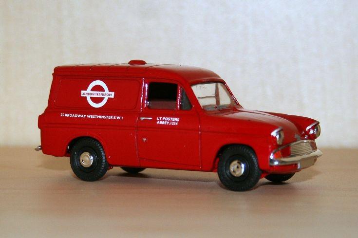 Vanguards 1/43 Ford Anglia 307E van LT
