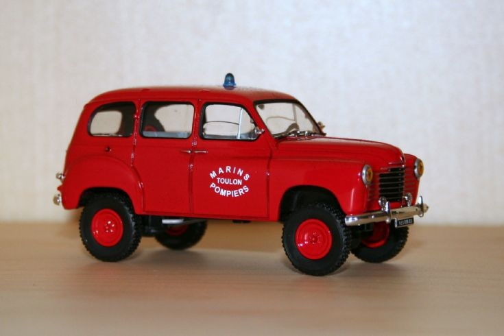 Solido 1/43 Renault R2090 Colorate