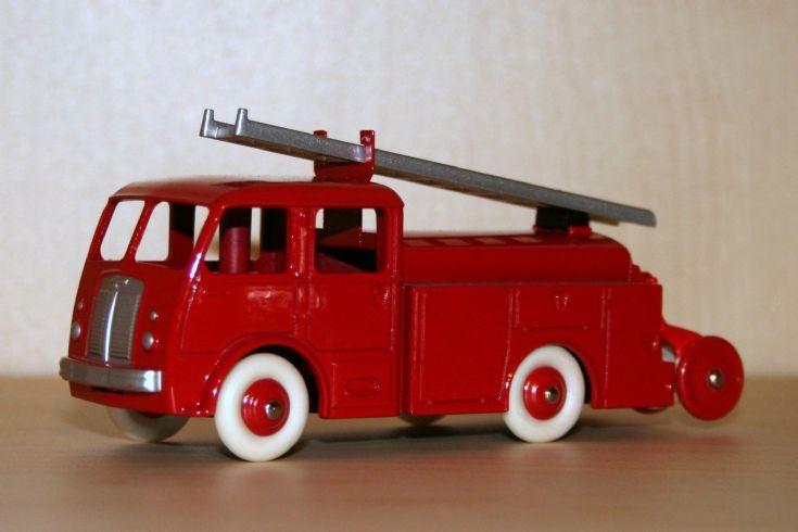 Atlas Dinky Toys 1/43 Berliet GLB