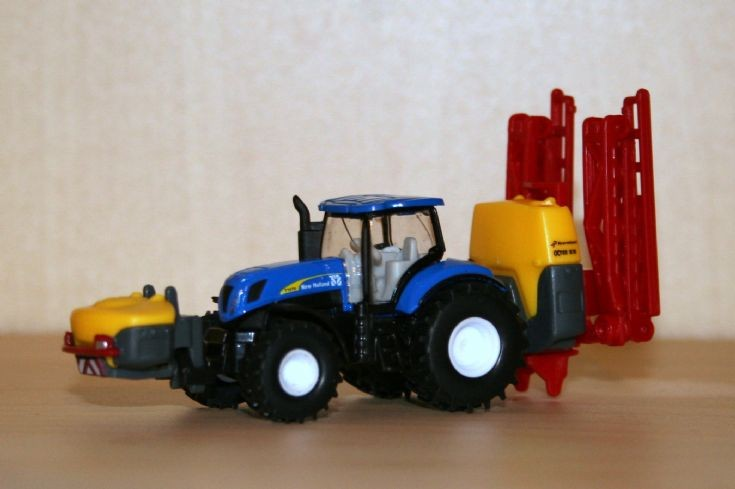 Siku 1/87 New Holland T7070