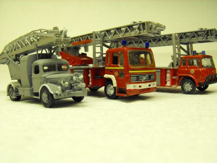 £ Turntable Ladders 1/76 scale