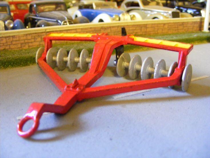 Dinky Toys - Massey Ferguson